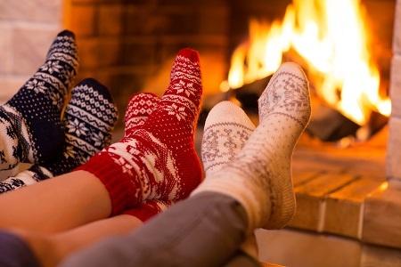 Feet-in-wool-socks-near-fire.jpg